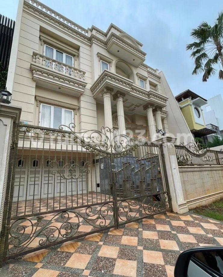 Rumah Mewah di Bukit Gading Mediterania