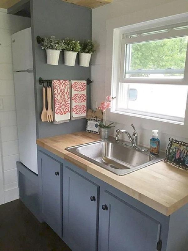 desain dapur minimalis 2x2 8