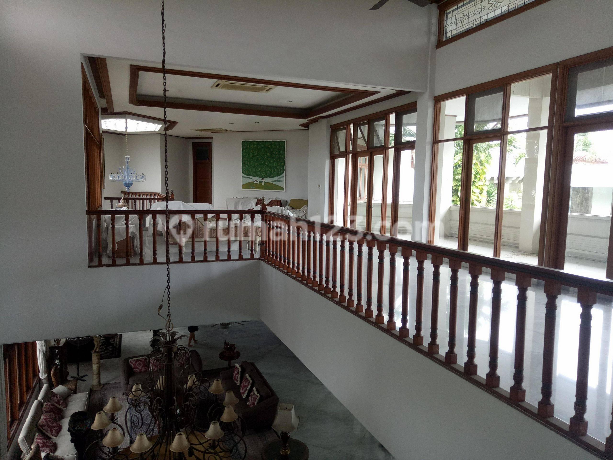 rumah di kelapa gading 8