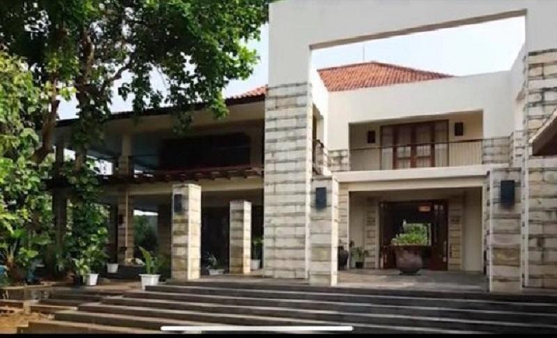 rumah chicha koeswoyo 6