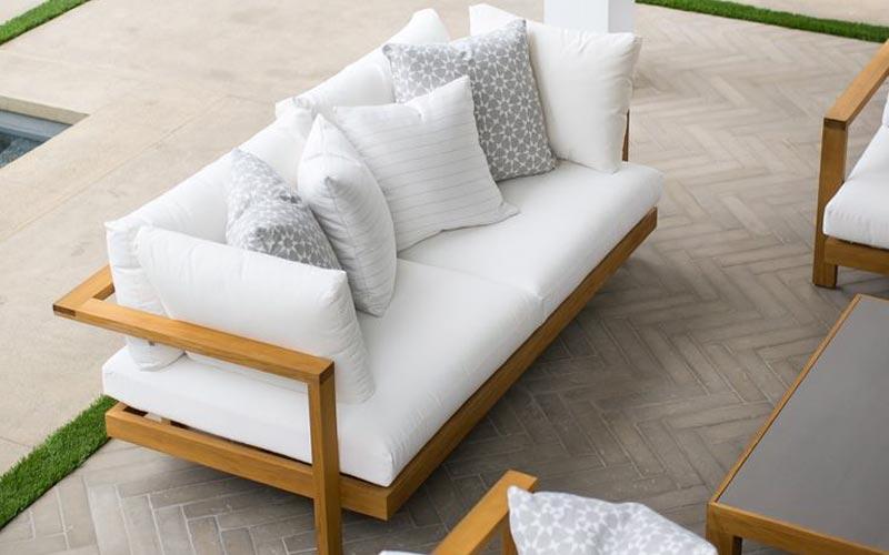 model kursi kayu untuk ruang tamu