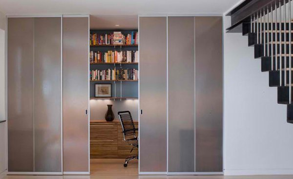 Pintu Geser ke Ruang Baca