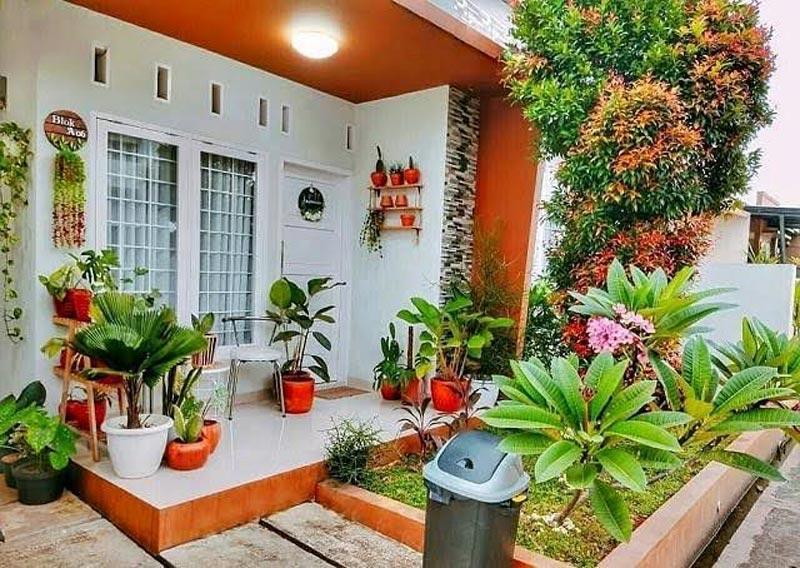 taman depan rumah tanpa pagar