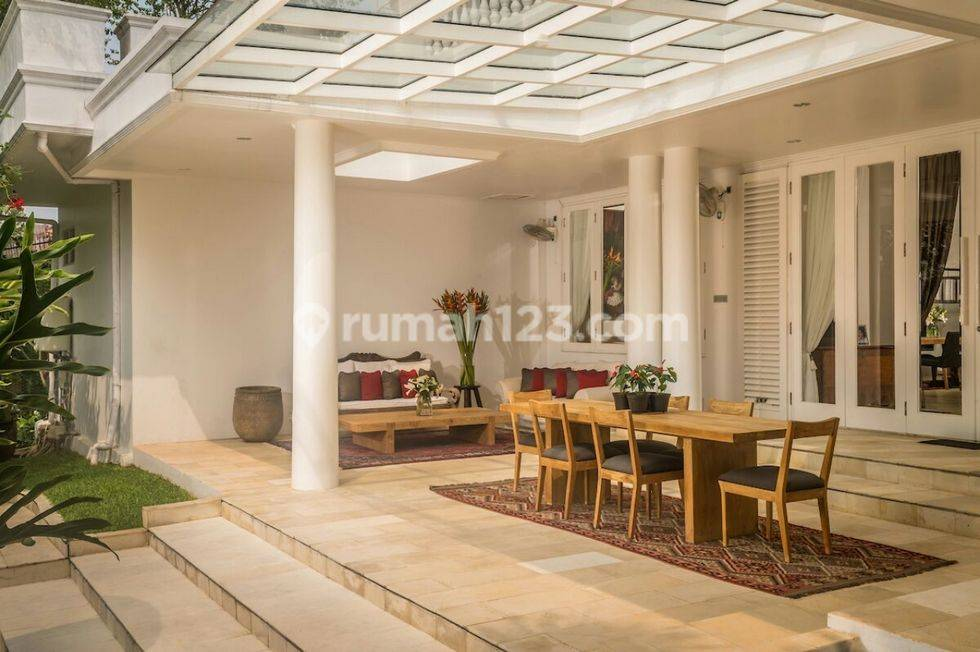 rumah gaya resort