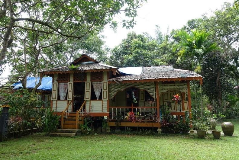 Rumah Kampung Sederhana