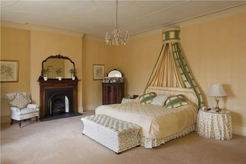 Kamar tidur victorian 1