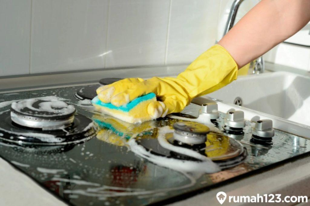 cara membersihkan kompor gas tanam