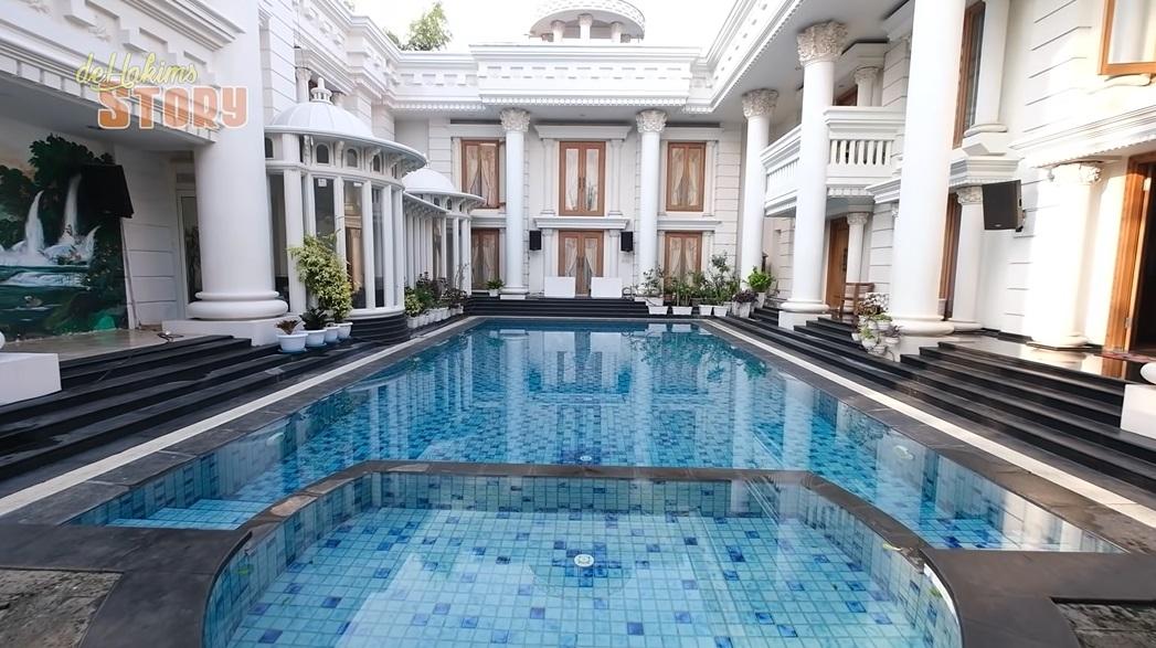 Rumah Crazy Rich Trenggalek_5