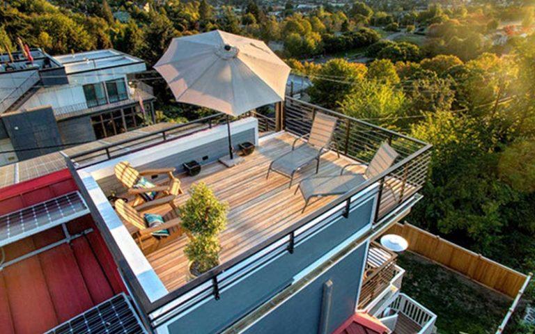 10 Inspirasi Rooftop Rumah Kecil yang Nyaman, Jadi Tempat Nongkrong yang Asyik