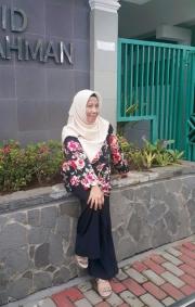 Lussy Umardani Umardani