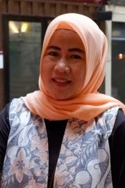 Dewi Apriyati Apriyati