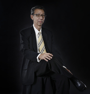 Hendricus Adhikari
