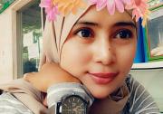 Indah Ray white